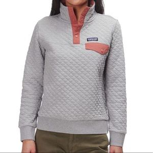 Patagonia grey/coral quilted quarter snap